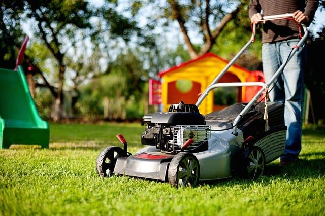 Best Lawn Mowers for a 1/2 Acre Lot